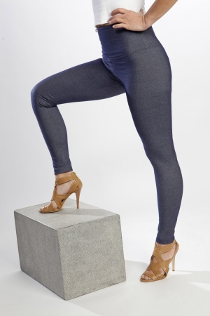 Lysse Denim Knit Tight Ankle Legging