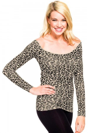 Skinny Tees Animal Print Scoop Neck Long Sleeve Top