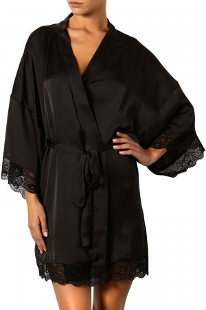 The Intimate Britney Spears Clementine Kimono